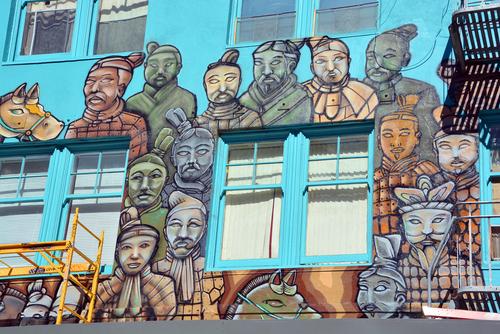 Chinas stille Armee auf dem Vormarsch in die USA: Die Terrakotta-Krieger auf einem Wandgemälde in San Francisco. Foto: Shutterstock