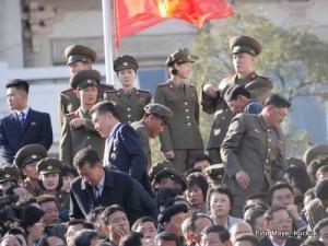 Zuschauer bei der Militärparade in Pjöngjang